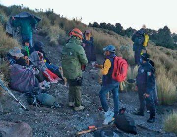 Rescatan a excursionistas extraviados en La Malinche