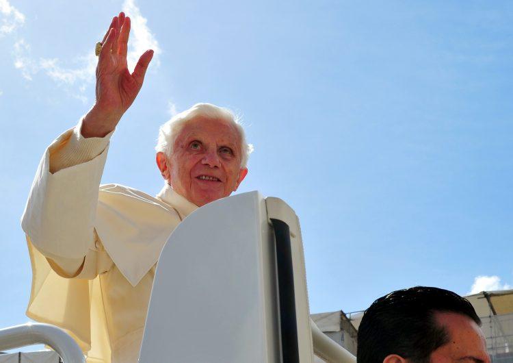 El papa Benedicto XVI presenta dificultades para hablar