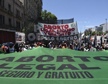 Congreso de Argentina debate la legalización del aborto; se necesitan 129 votos para que sea ley