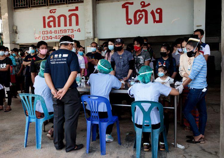 Más de mil personas se contagian de COVID-19 en mercado de mariscos
