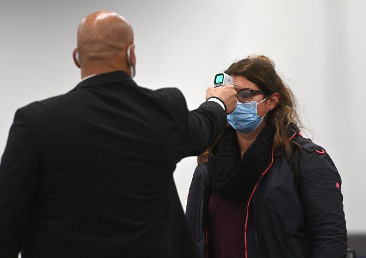 Europa y OMS buscan evitar propagación descontrolada de nueva cepa de coronavirus