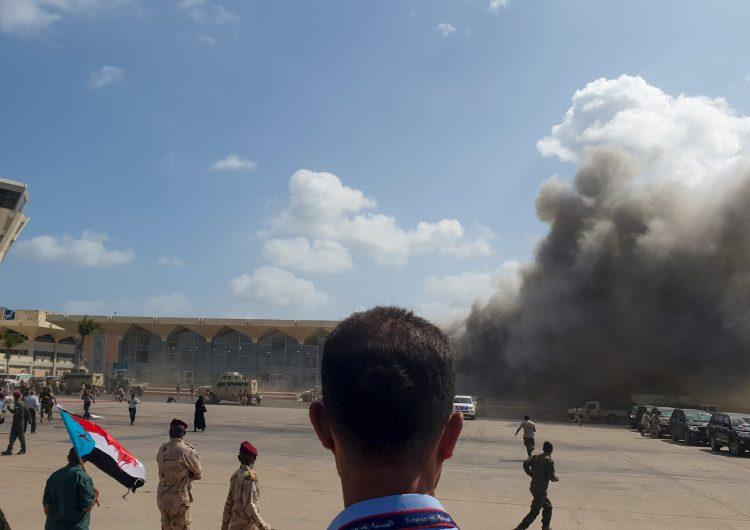 Explosiones dentro de un aeropuerto de Yemen dejan 26 muertos y 50 heridos