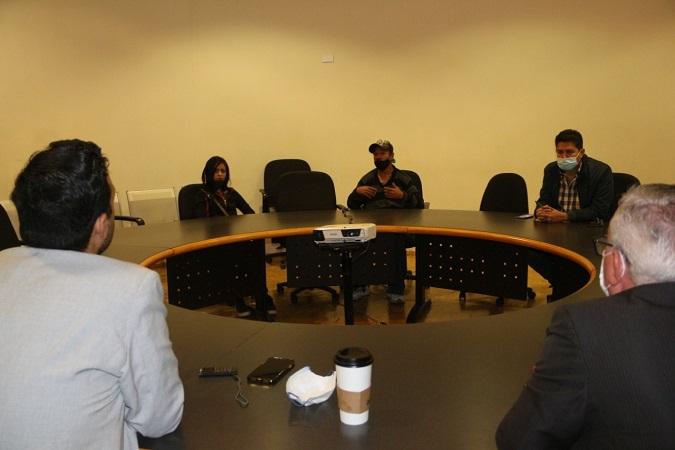 Se reúnen familiares de Montserrat Johana con autoridades de la Fiscalía General del Estado