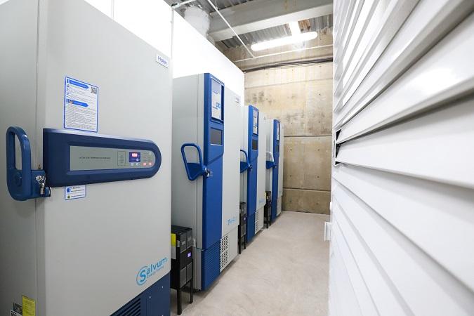 Facilita UAA 10 ultracongeladores para conservación de vacuna anti-Covid en Aguascalientes