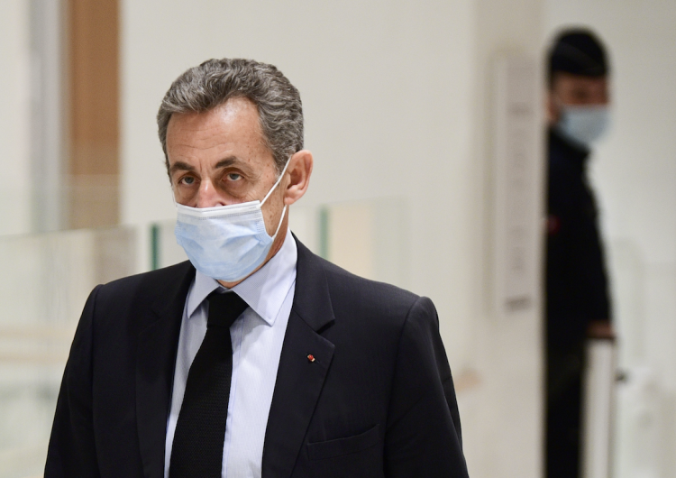 Fiscalía francesa pide 2 años de cárcel para el expresidente Nicolas Sarkozy