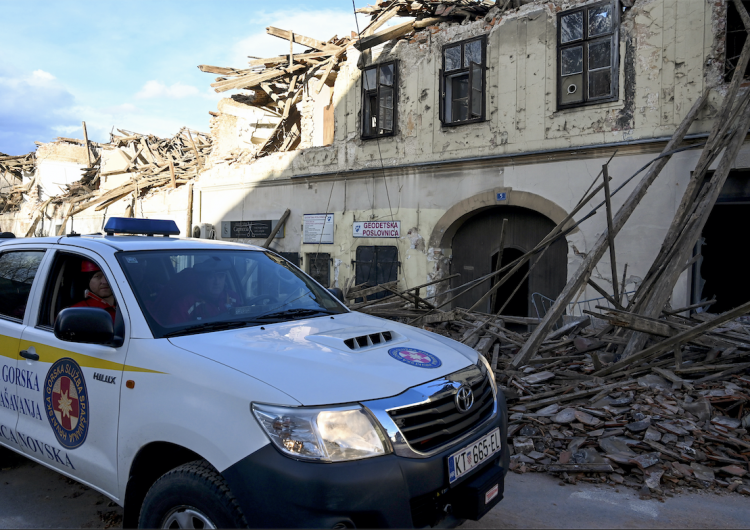 """Sismo en Croacia deja muertos, heridos y desaparecidos; """"no hay casa que no haya sido dañada"""""""