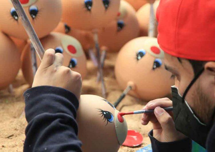 Promueven la venta de la esfera navideña en Chignahuapan