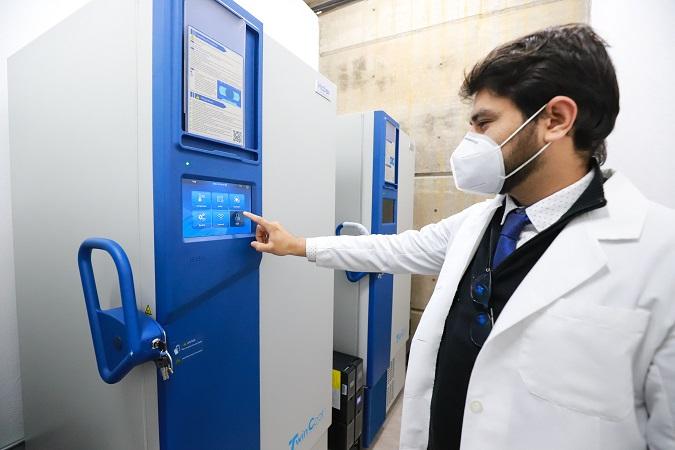 Garantizan estándares de calidad de ultracongeladores de la UAA para almacenar vacuna anti-Covid