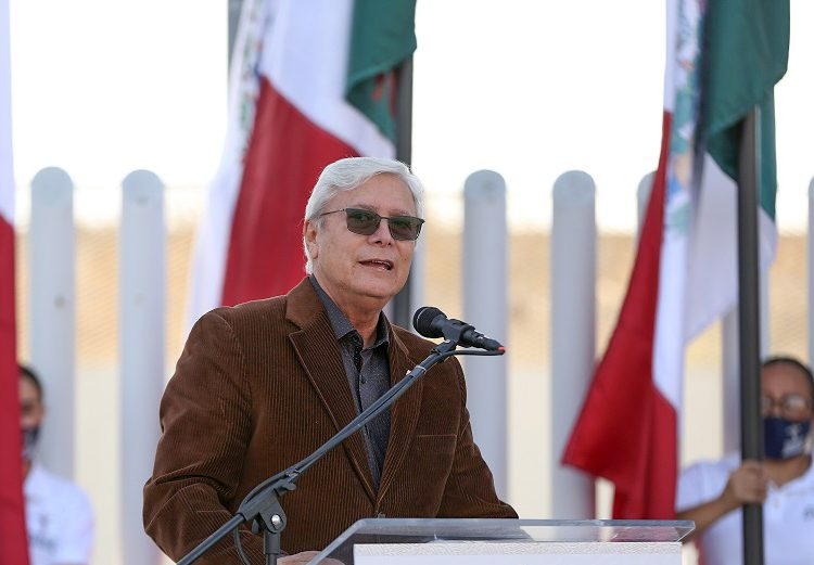 Rechaza Bonilla cumplir orden de juez que frena planta fotovoltaica en BC