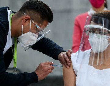 Estamos listos para seguir con esta guerra, dice la primera enfermera vacunada en México