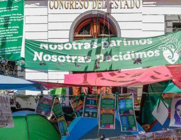 Feministas entregarán Congreso de Puebla tras 25 días de protesta