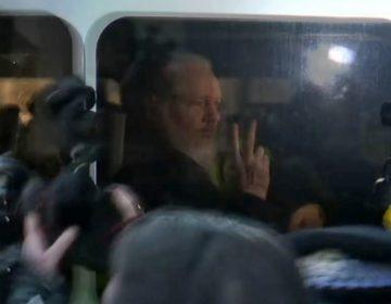 López Obrador anuncia que pedirá indulto para Assange y le ofrecerá asilo político