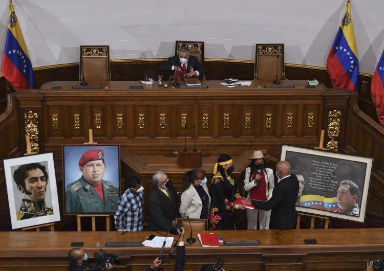 La Unión Europea desconoce la nueva Asamblea Nacional de Venezuela y mantiene su apoyo a Guaidó