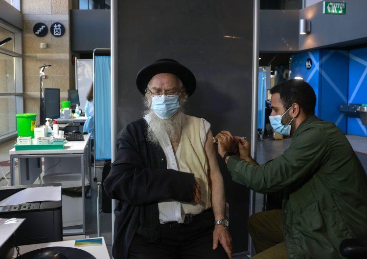 Israel niega a los palestinos la vacuna contra COVID-19