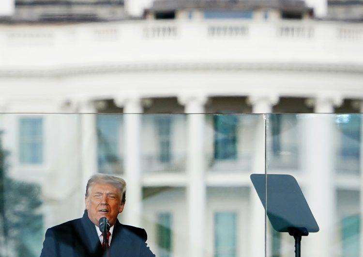 Demócratas presentan acusación contra Trump en busca de juicio político en su contra