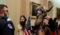 QAnon planea infiltrarse en toma de posesión de Biden a…