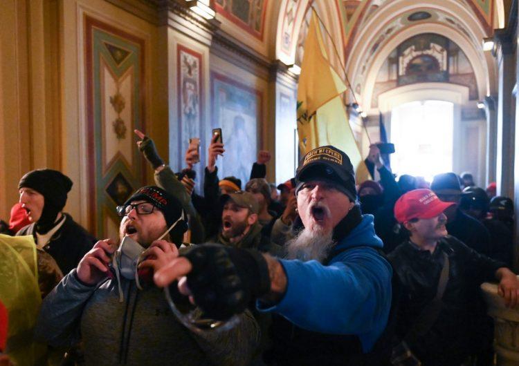Arrestan a dos de los involucrados en el asalto al Capitolio; hay 14 inculpados más