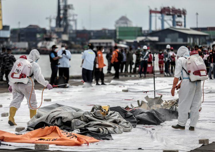 Caso Boeing 737-500: partes de cuerpos han sido localizados en la costa de Indonesia