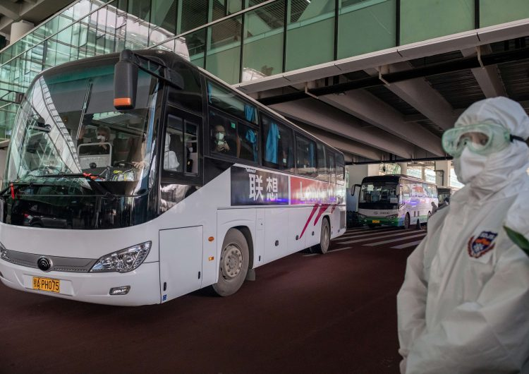 Grupo de científicos de la OMS llega a China para investigar los orígenes del COVID-19