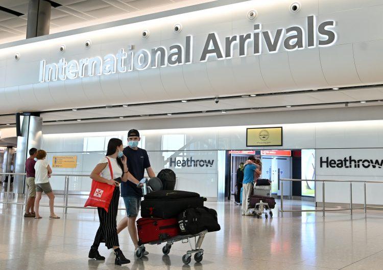 El Reino Unido prohíbe la entrada de vuelos desde Sudamérica y Portugal por variante de COVID-19
