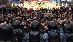 Más de 3,000 detenidos en Rusia durante las protestas para…
