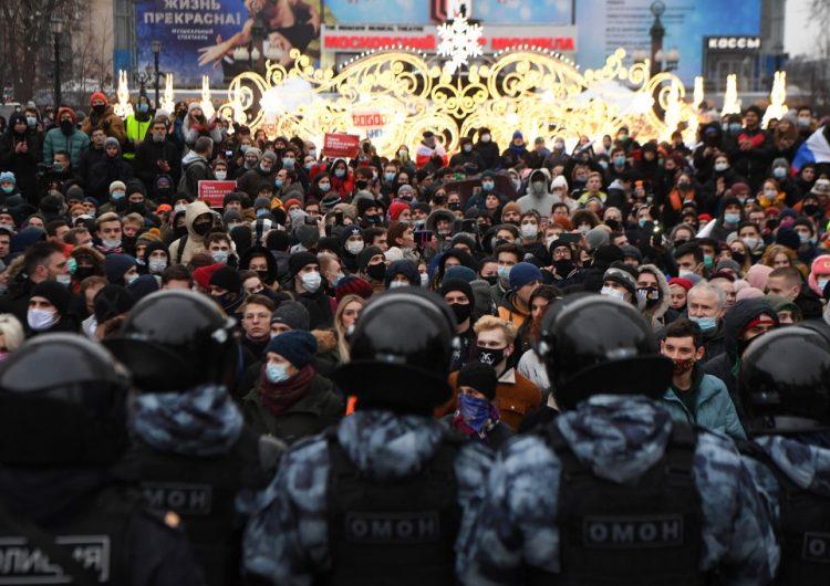 Más de 3,000 detenidos en Rusia durante las protestas para exigir la liberación del opositor Alexei Navalni