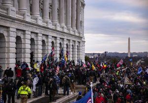 El 52 por ciento de los republicanos culpa a Biden de la revuelta: encuesta