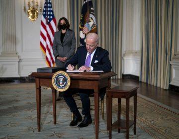 Biden revocará reglas que limitan el aborto en Estados Unidos