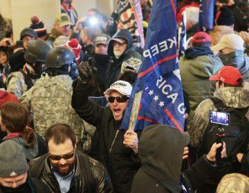 Policía evacua edificios del Congreso de EU ante revuelta de partidarios de Trump