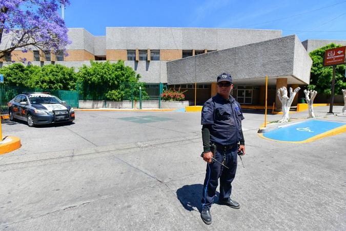 Autorizan línea amarilla para estacionarse afuera de hospitales de Aguascalientes