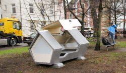 Esta ciudad instaló novedosas cápsulas para refugiar a personas sin…