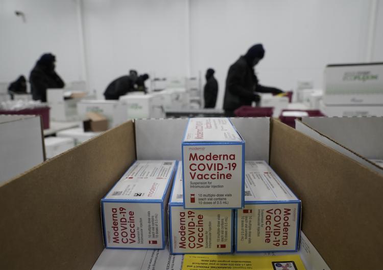 EMA recomienda a la UE autorizar la comercialización de la vacuna contra COVID-19 de Moderna