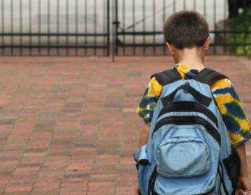 Crisis Covid orilla a Alán a dejar la escuela para vender comida