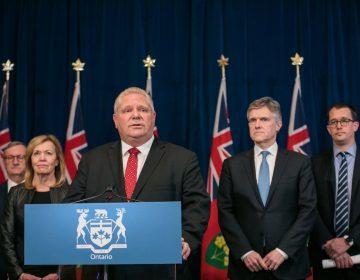 Funcionarios canadienses renuncian por salir de vacaciones al extranjero pese a restricciones del gobierno