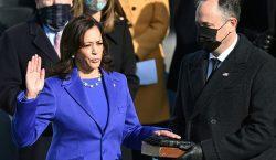 Kamala Harris protesta como vicepresidenta de EU: 'Asumo esta obligación…