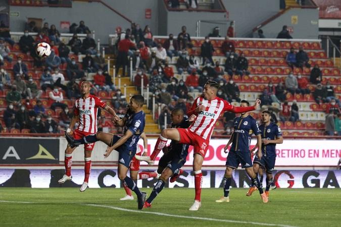 De forma agónica, Necaxa vence al Atlético de San Luis y obtiene su primer triunfo