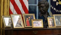 César Chávez, Jennifer López e idioma español en la Casa…