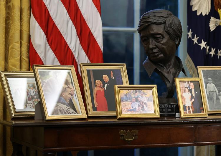 César Chávez, Jennifer López e idioma español en la Casa Blanca: nueva era para los latinos