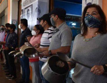 Nuevamente restauranteros de Puebla piden reapertura con 'cacerolazo'