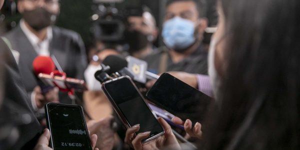 Pedirá el Consejo de Protección Civil incluir a periodistas en primera línea de vacunas contra el COVID-19