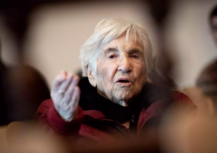 Los anticubrebocas que dicen defender su libertad 'no tienen ni idea': sobreviviente de Auschwitz