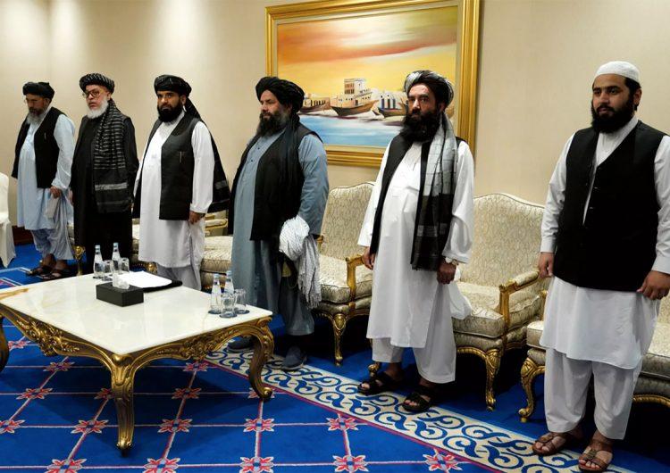 Talibanes piden a Biden que dé continuidad al plan de paz de Trump en Afganistán