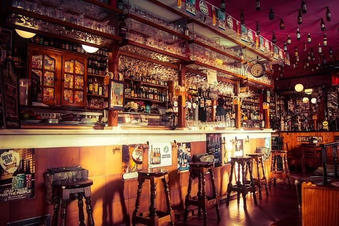 Anuncian nueva reducción de horario y aforo en bares y antros de Aguascalientes