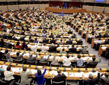 Eurodiputados piden a la UE reconocer a Guaidó como presidente interino de Venezuela