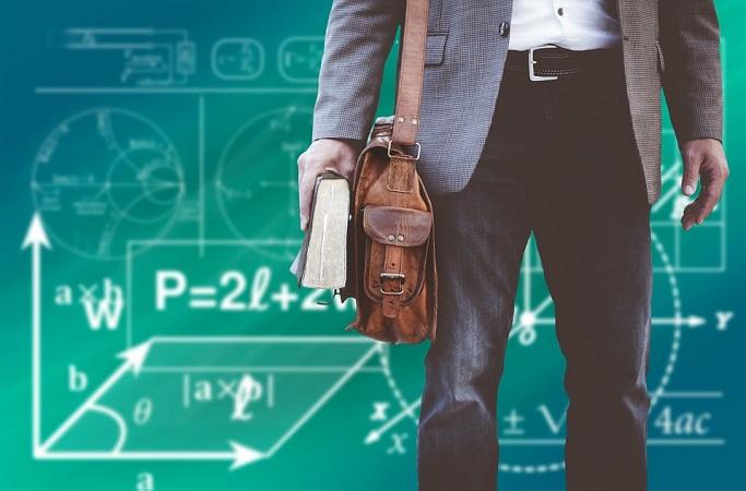 Retomarán modelo híbrido de clases presenciales en prepas y universidades