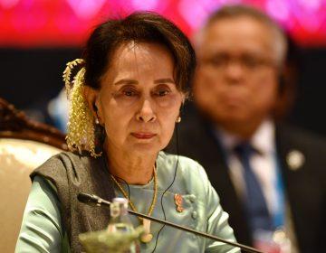 Birmania: presidenta electa es acusada de importación 'ilegal de radios', permanecerá presa 15 días