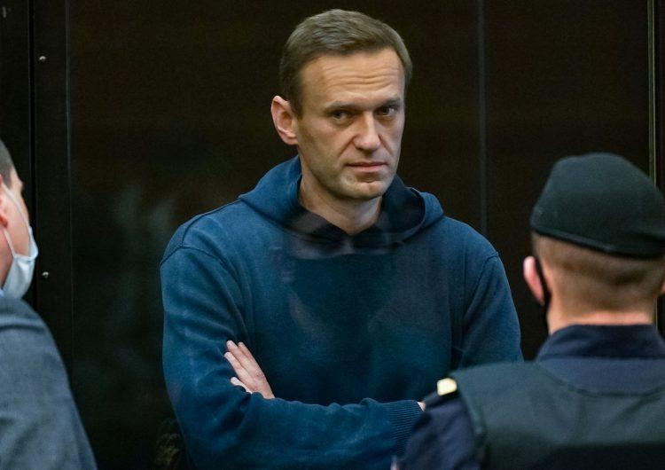 Líder opositor al gobierno de Rusia es condenado a más de dos años de prisión