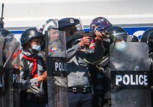 Birmania: la ONU condena uso de balas de goma y gases lacrimógenos contra manifestantes