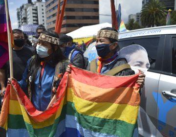 Indígenas ecuatorianos protestan por presunto fraude electoral contra candidato ambientalista