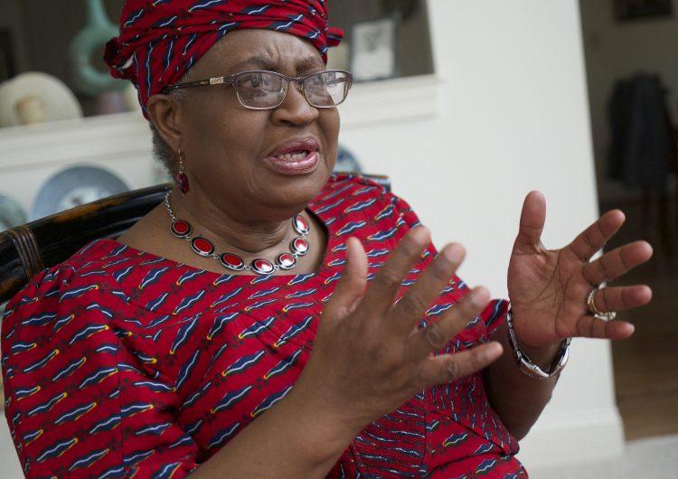 La Organización Mundial del Comercio debe evitar que se restrinja la exportación de vacunas: Okonjo-Iweala